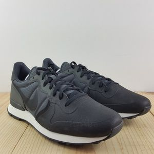 reputable site 92983 b6c9d Nike Shoes - Nike Internationalist Premium SE Size 12